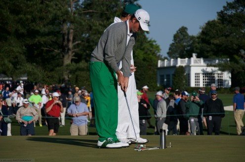 Webb Simpson practicing his putting stroke and vision techniques