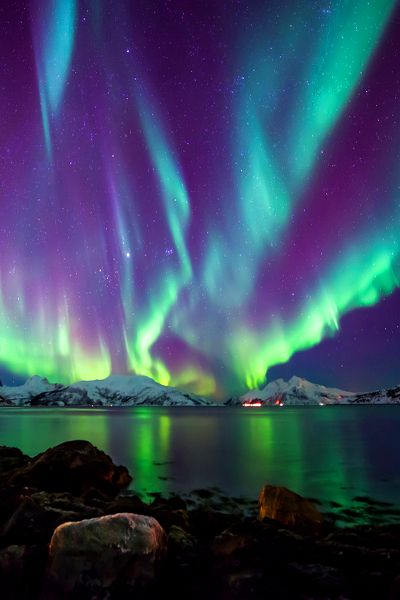 The Northern Lights are an incredible product from nature (much like UNREAL candy) – everyone should exper