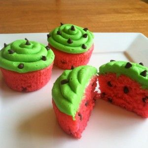 'Watermelon' Cupcakes! How adorable! The recipe looks super easy, uses a mix! Great way to kick-off Summer