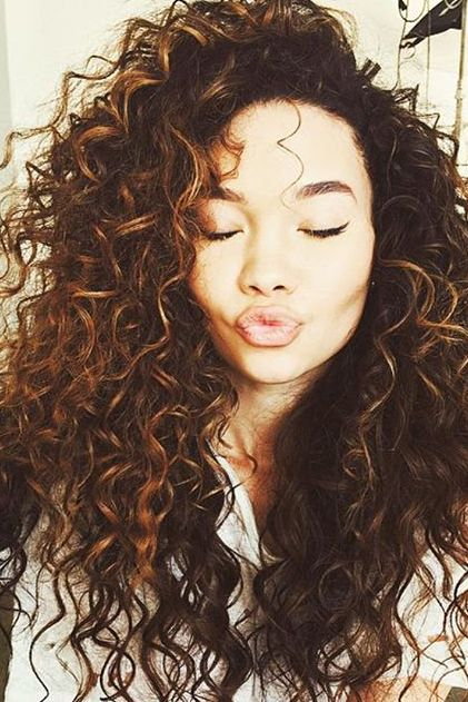 Thick voluminous natural curls! @ashley_moore_'s hair is such an inspiration! #hairgoals