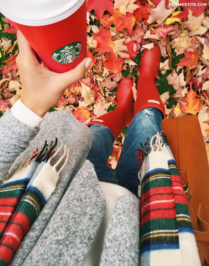 Fall outfit – red Hunter boots, plaid scarf and Starbucks red cup