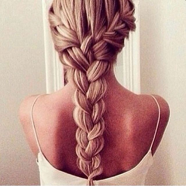 This hair brand is stunning. I think what makes it is the fact that the girl has highlights so the braid e