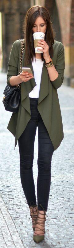 simplistic but sophisticated look + Barbora Ondrackova + every day chic style + khaki blazer + matchin