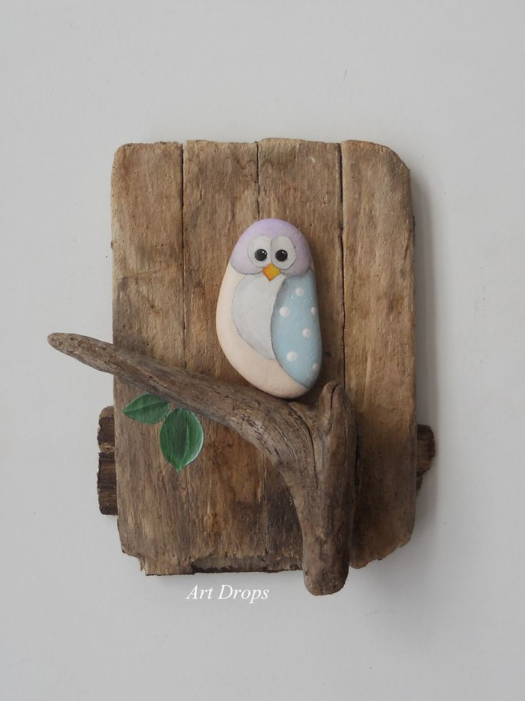 Art Drops. Driftwood and a painted stone – how easy is that?! owl wall plaque for garden or home