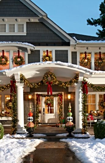 Wrapping your home up for the holidays, in the classic look of evergreen, doesn&#3