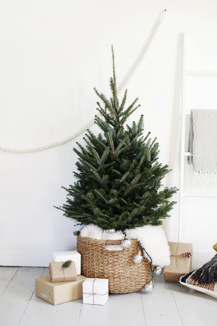 Minimal Christmas Tree @The Merrythought for @west elm