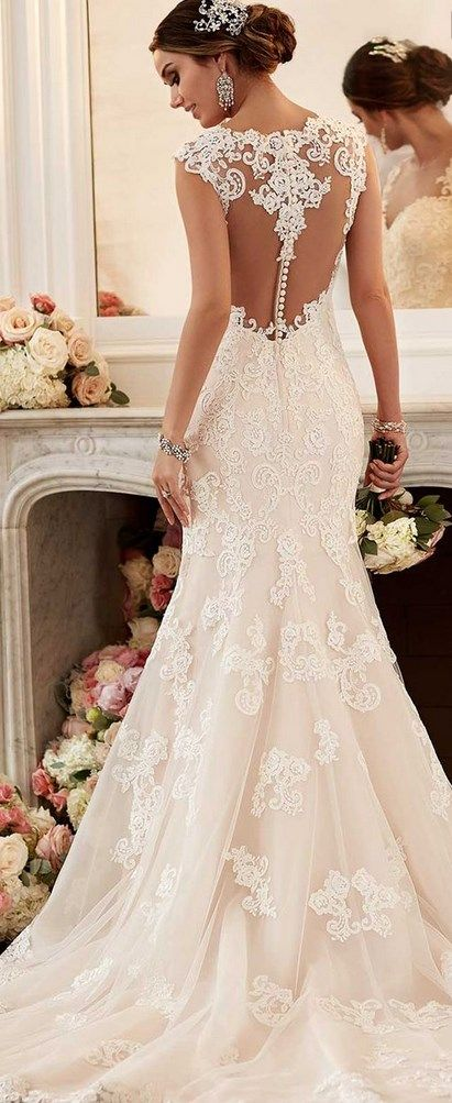 Find the Wedding Dress of your dream online, for your desired style: A-Line, Ball