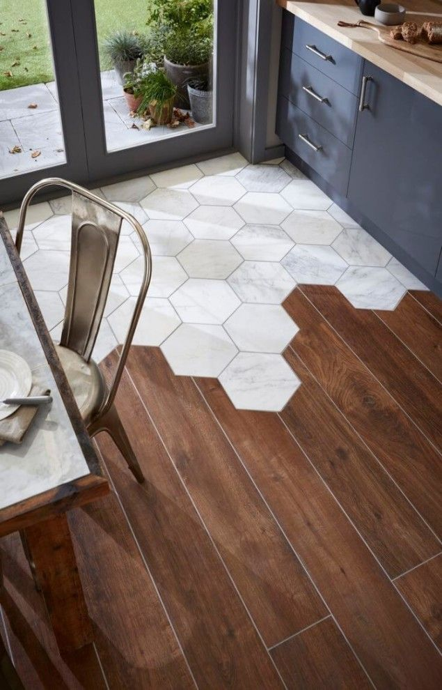 One of the major 2016 tiling trends is the use of tiles in different materials, sh