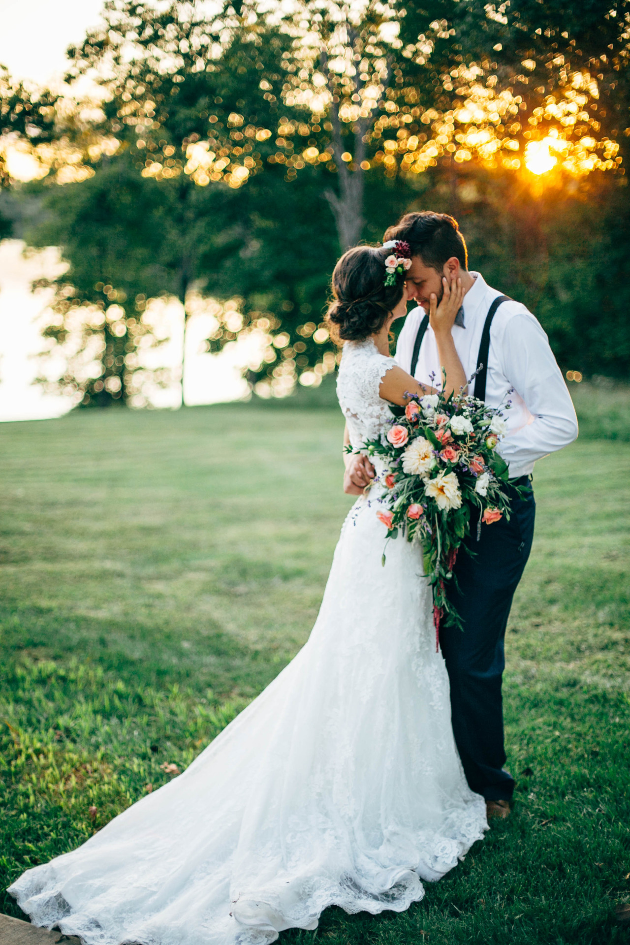 sunset by the water. great use of greenery in this bouquet.