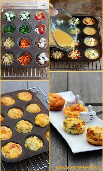 Ontbijtidee gezocht? Meng zeven (bio-)eieren met twee eetlepels (soja-)melk en wat zout en peper. Doe groenten en/of kaas in een