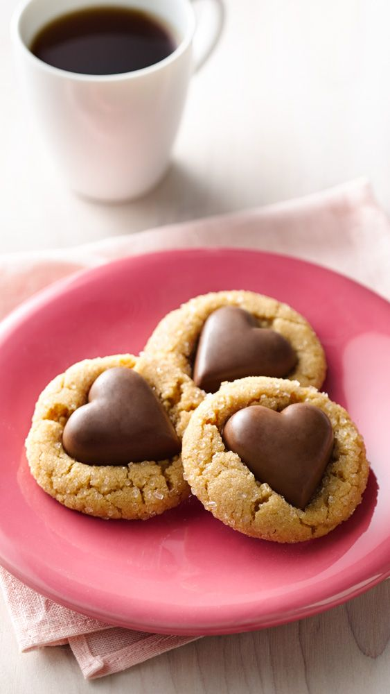 The loveable combo of chocolate and peanut butter combine in these shortcut cookie, made with Bettys peanut butter cookie mix.
