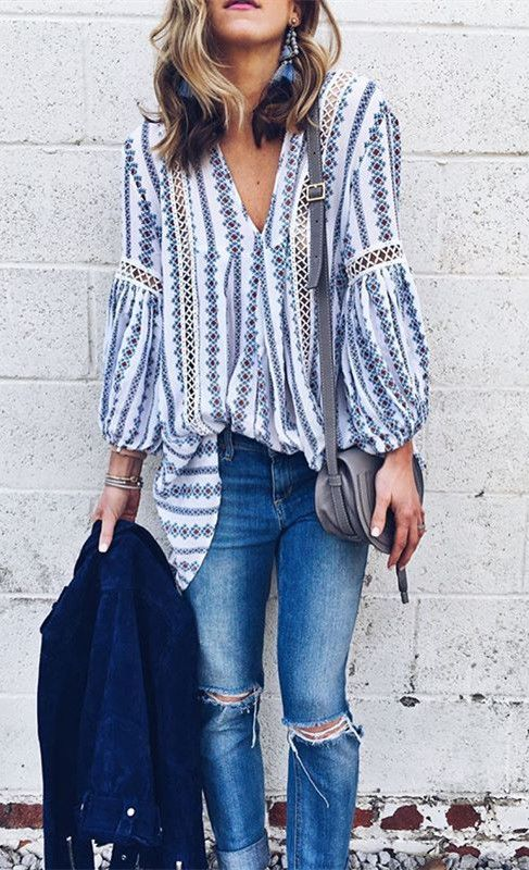 Drape yourself in this lovely tunic, toss aside your agenda and just go with the flow today! Posies Flow My Way V-neck Tunic(Item