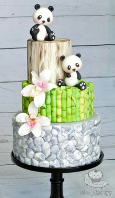 Adorable panda tiered cake – just too effing cute!