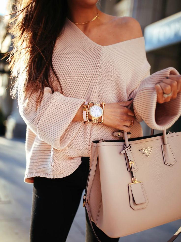 A Casual Off-The-Shoulder Sweater For This Winter