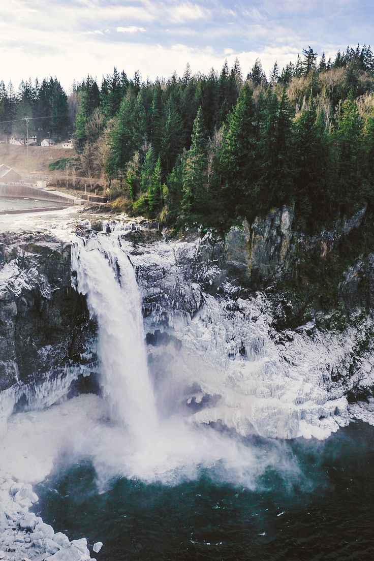 some of the beauty from my home state, Washington. Snoqualmie Falls.