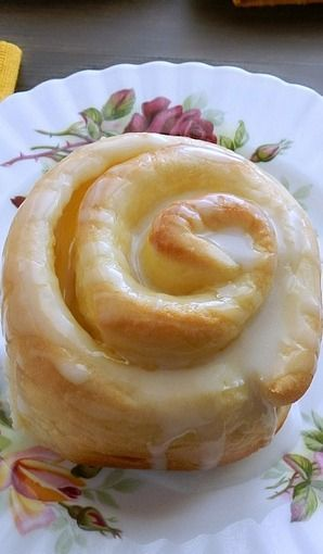 Lemon Curd Sweet Rolls (1) From: Cooking with Curls, please visit