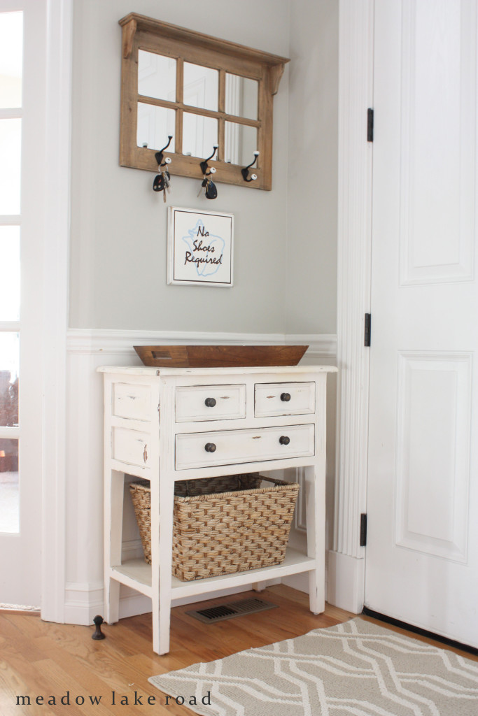 anderson + grant: 8 Inspiring Ideas for Decorating Your Entryway {Your Turn to Shine Link Party #20}