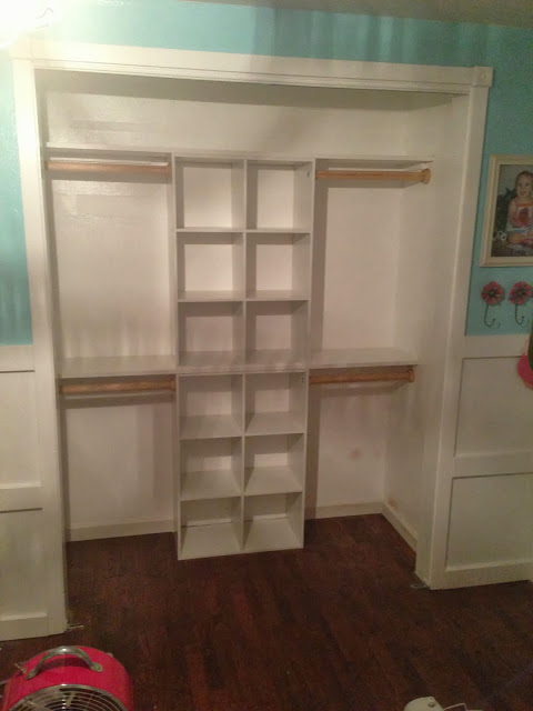WOW! That closet looks amazing! 2 of my girls are currently sharing a room right now and a closet. Its a hott mess! This would be