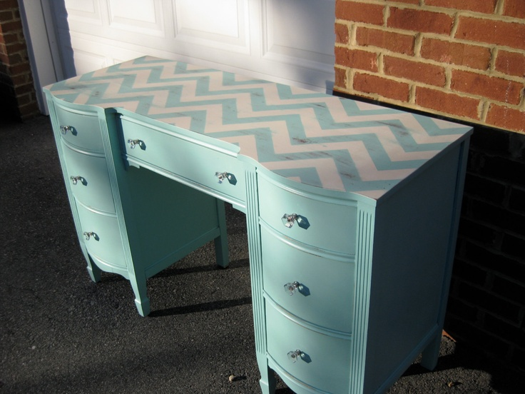 desk with chevron top (and other painted desk ideas)