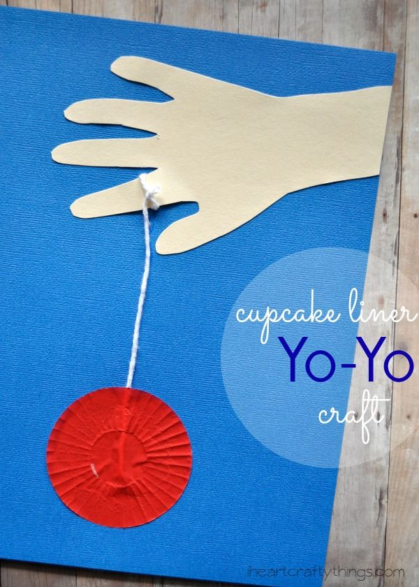 Cupcake Liner Yo-Yo Kids Craft, great for learning about the letter Y in preschool. iheartcraftythings.com