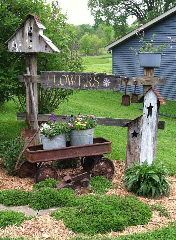 Love this rustic vignette! Love it! #outdoor_garden_signs