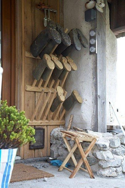welly stand Homemade welly stand in travel decoration 2  with welly cottage #hunting_cabin_decor