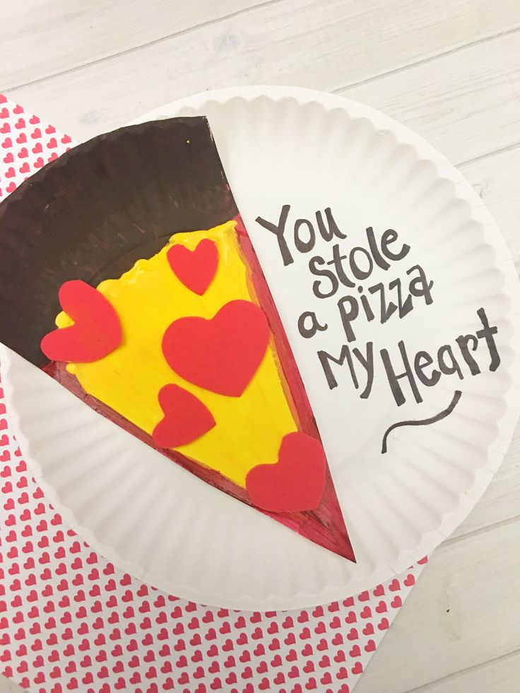 This is the cutest most kid-friendly Valentines Day paper plate craft Ive seen yet! Awesome idea for preschool crafts and