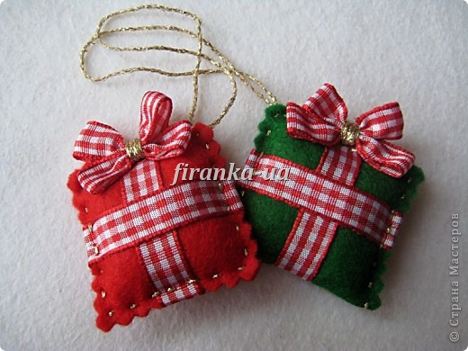 Sew Felt toys on the Christmas tree – sewing
