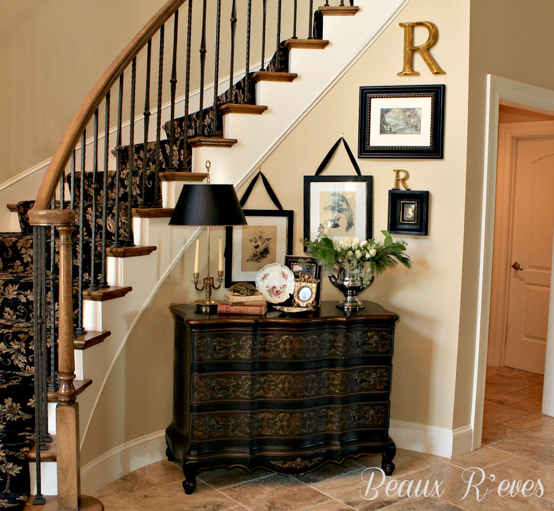 Beaux Reves:  Entry Vignette for a curved wall