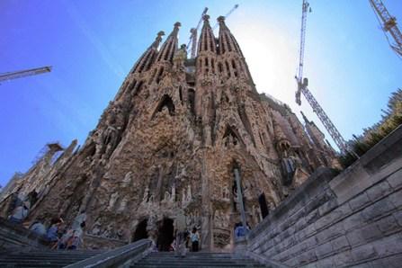 2. Sagrada Familia (Spania)