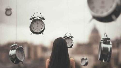 Opriţi timpul, dar cu clipa ce facem?