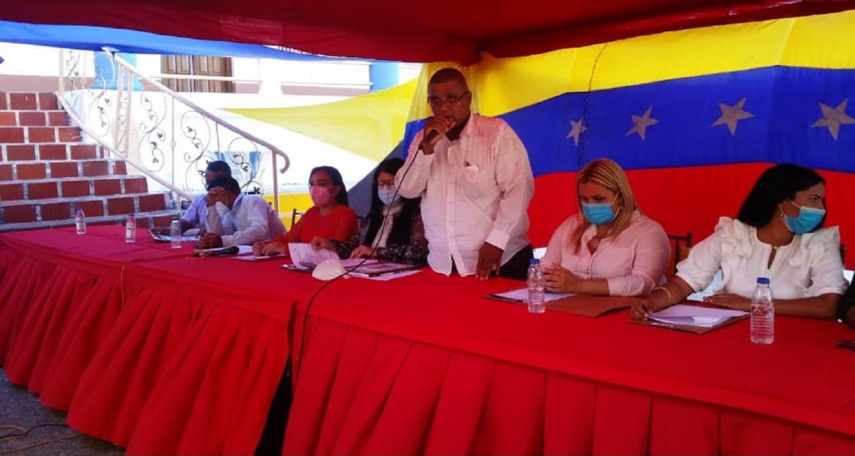 Luis Leal reelecto presidente del Concejo Municipal