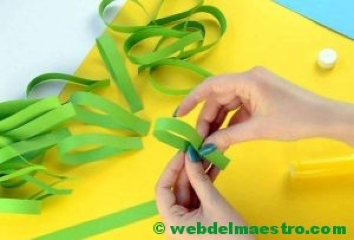 Manualidades infantiles - pavo real de papel- paso 2