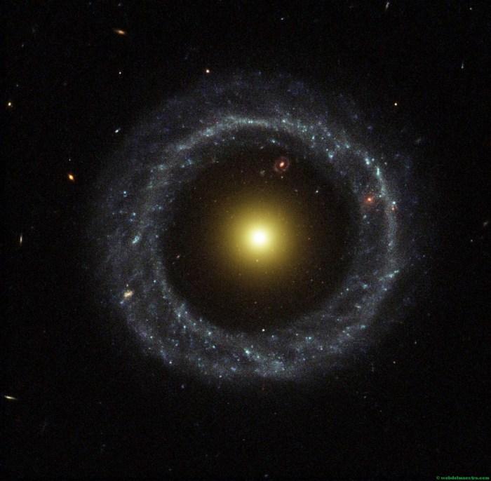 Galaxia elíptica circular