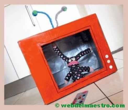 televisión de cartón