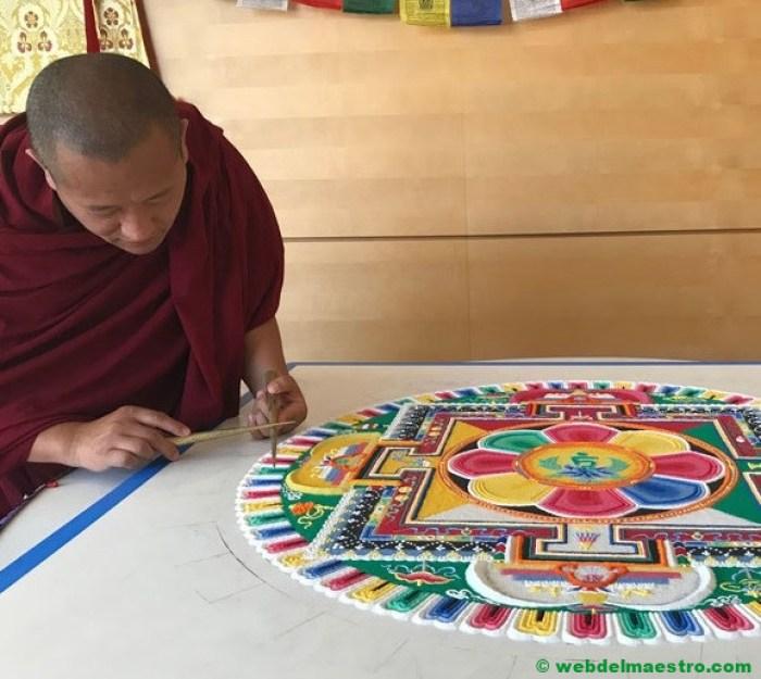 mandala budista de arena-