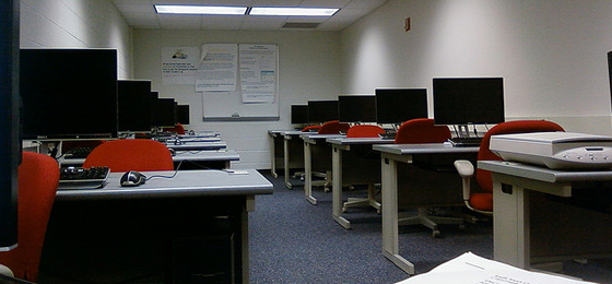 School Computer rows for learning