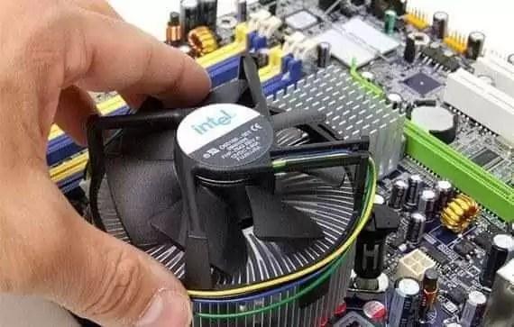 Монтаж кулера процессора
