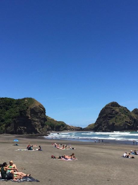 ▲ Piha Beach