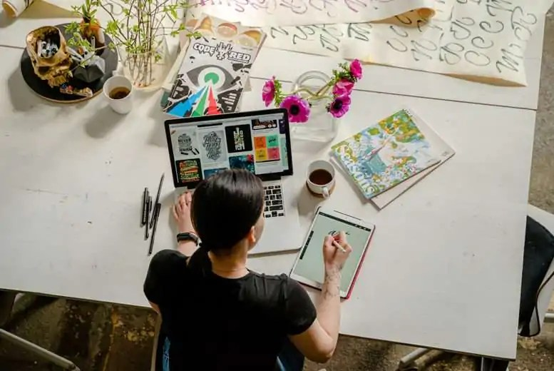 5 Things You Should Know About Becoming Graphic Designer