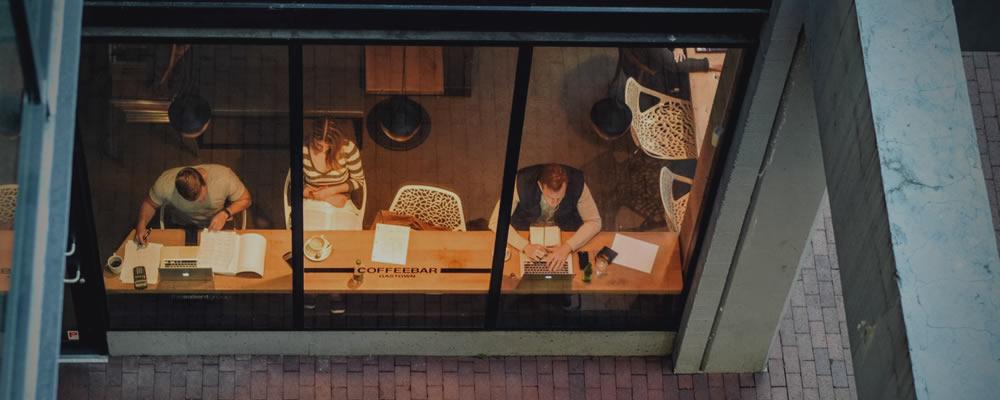 freelance designer in coffee shop