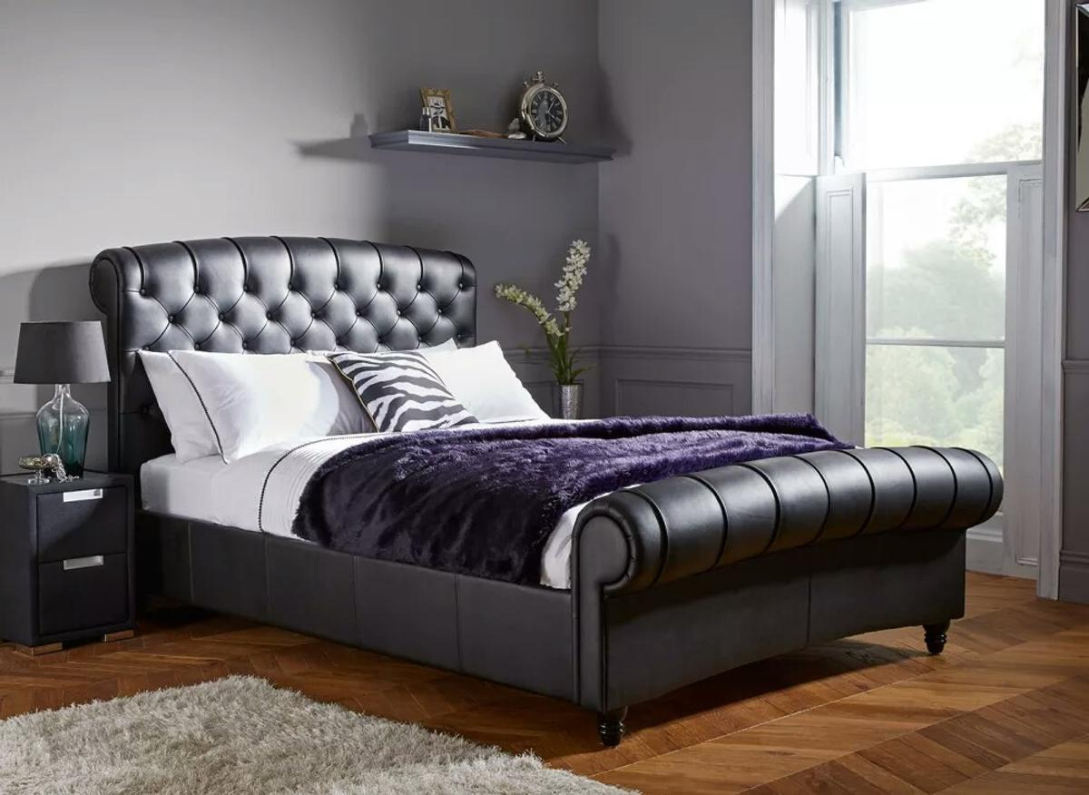 Black Leather King Size Bed Frame In London Borough Of Bromley For 500 00 For Sale Shpock
