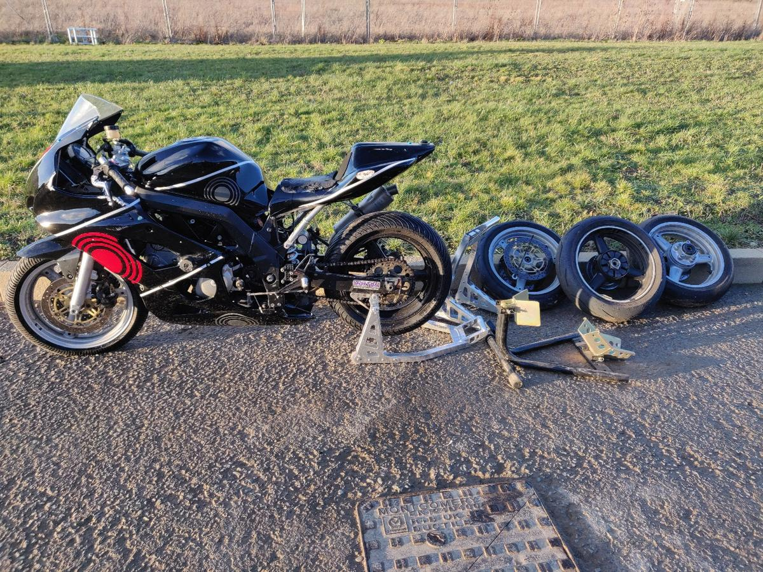 sv650 trackbike racebike minitwin in