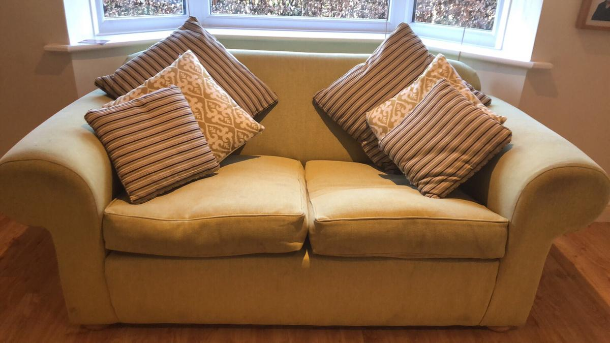Lime Green Sofa X 2 With Matching Cushions In Mk19 Northamptonshire For 100 00 For Sale Shpock