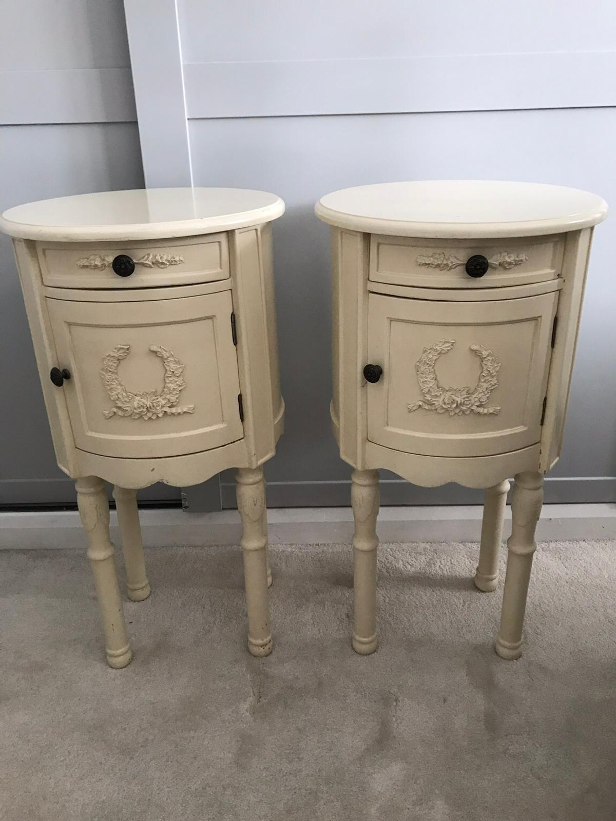 Pair Of Cream Shabby Chic Bedside Tables In Rm11 Havering For 50 00 For Sale Shpock