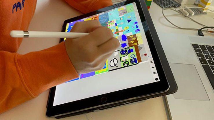 Brainstorming à distance webinaire.games par aNa artiste animation fresque digital Ipad Pro