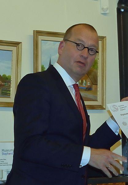 Ex-burgemeester Segers van Staphorst nu burgervader van Molenlanden
