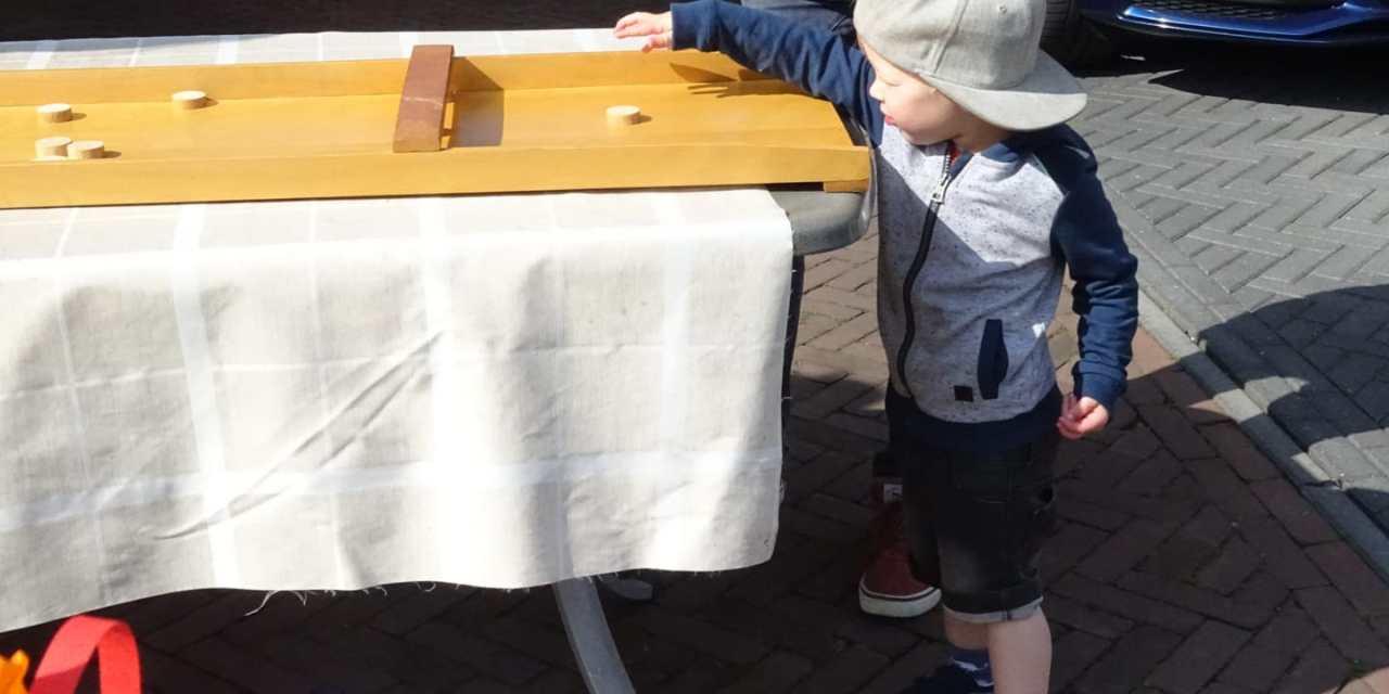 Buurtbewoners De Slagen organiseren kinderspelen