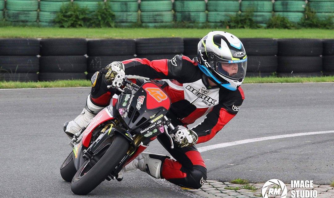 P2 Voor TT Racing coureur Ivar Wesselink in Assen