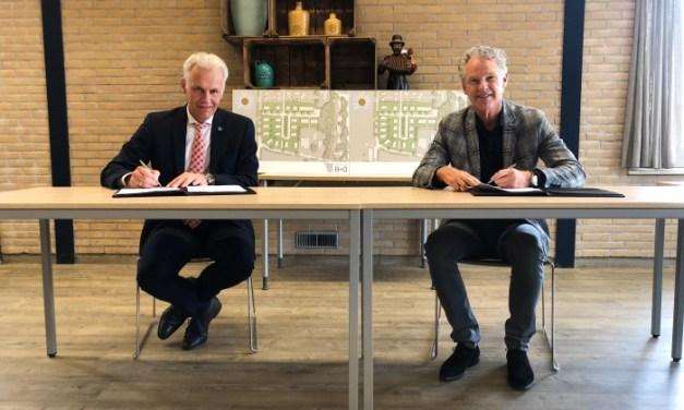 Een mijlpaal voor IJhorst: handtekeningen woningbouw Poeleweg